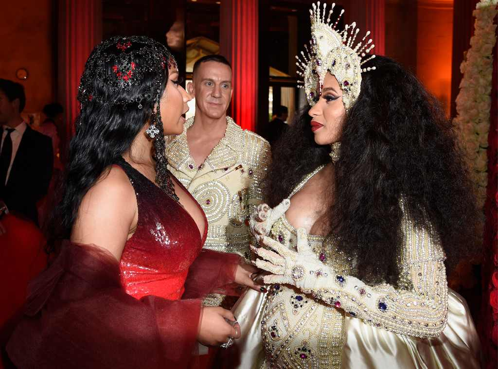 VIDEO: Cardi B Left With Swollen Face as She Fight Dirty With Nicki Minaj at New York Fashion Week Party