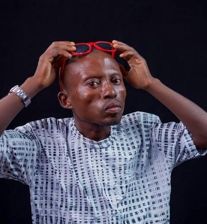 Nigerian man Dede Nne in trending 'spell Buhari' video gets help from well-meaning Nigerians