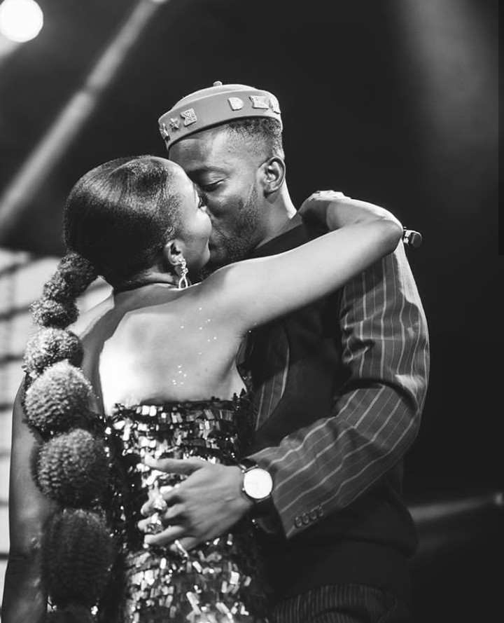 """""""Your love is overwhelming"""" – Simi tells Adekunle Gold after they share a kiss on stage (photos)"""