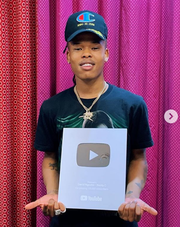 Youtube presents Nasty C an award (PHOTO)