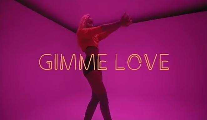 DOWNLOAD VIDEO: Seyi Shay x Runtown – Gimme Love