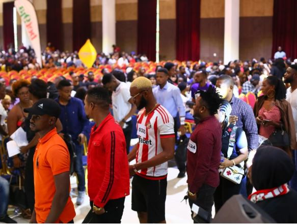The crowd at the #BBnaija auditions is proof of our flawed value system and our failed government – Nigerians react (PHOTOS)