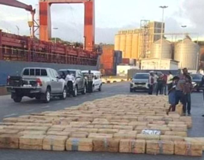 Cape Verde police arrest 11 Russian sailors with nine tonnes of cocaine
