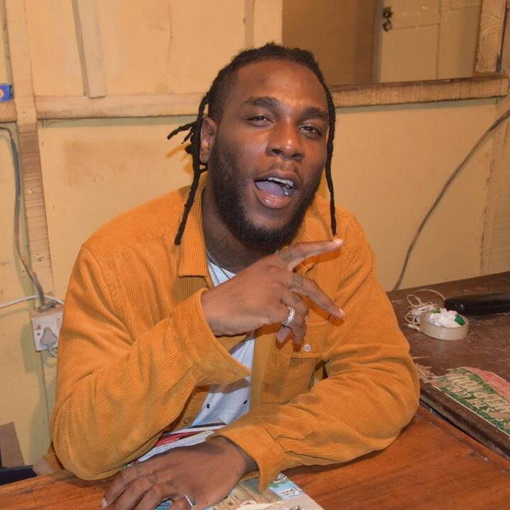 Watch Burna Boy Freestyle In Interview Session In The US