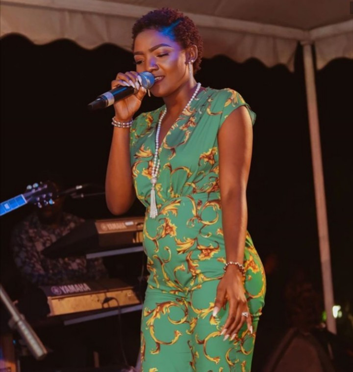 Simi responds to Instagram user who asked her to sack her make-up artist