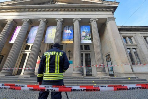 Thieves steal treasures and antiques worth one billion Euros from German Museum in massive raid (photos)
