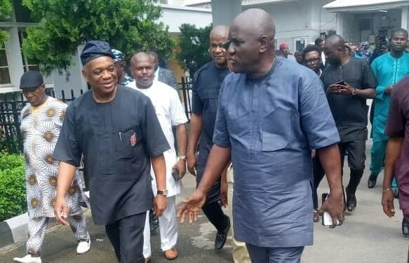 """Don't handcuff me in public"" Orji Uzor Kalu begs prison warders as court sentences him to 12 years imprisonment"