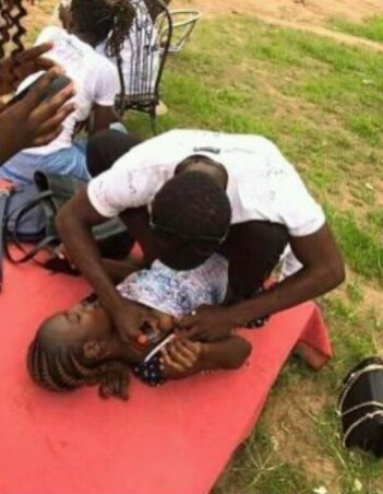 """The Polytechnic Ibadan Female student allows course-mate to """"sign out"""" on her boobs"""