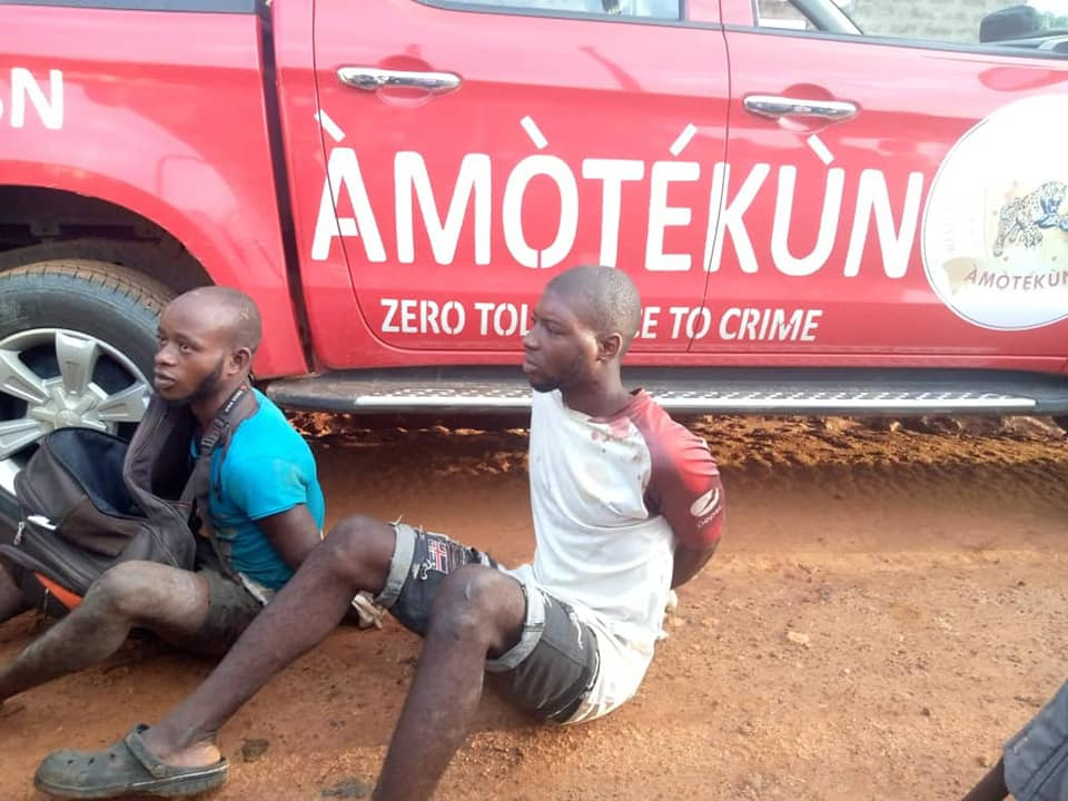 Amotekun in Osun apprehend suspected ritualists who specialize in stealing female underwear (photos)