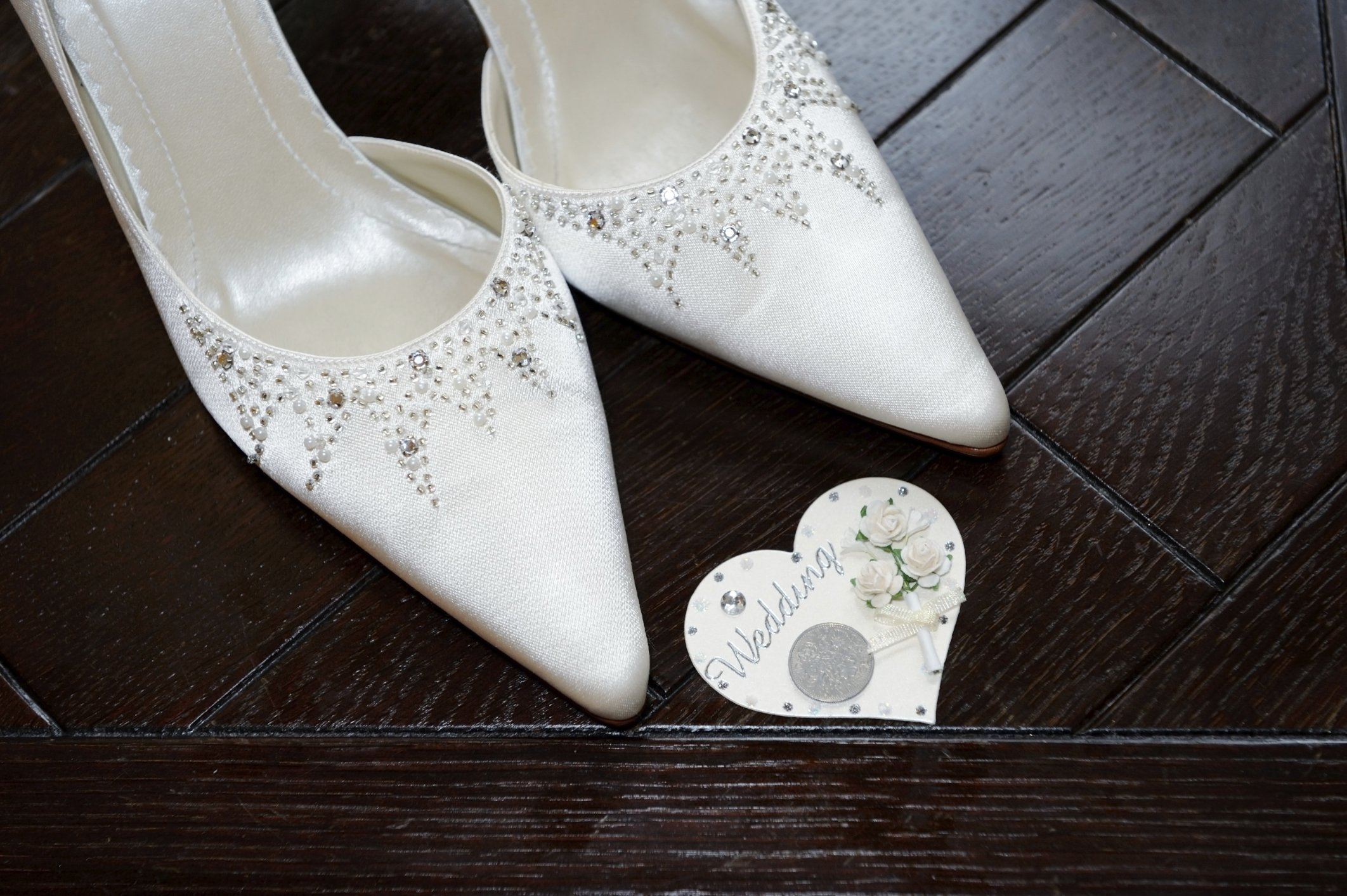 See This Place In Sweden Where Brides Put Coins Inside Their Shoes During Weddings, They Say It Is A GoodLuck Charm For The Couple