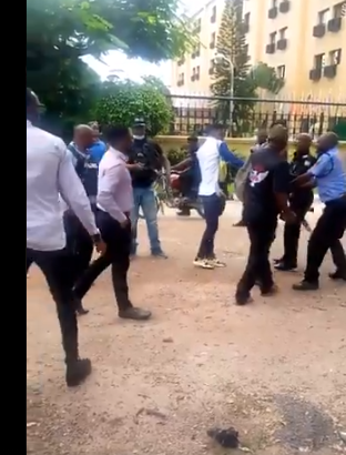 You don't have the right to protest – Policemen say as they assault young Nigerians protesting against increased electricity tariff (videos)