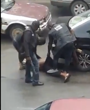 SARS officers assault young man in Port Harcourt (videos)