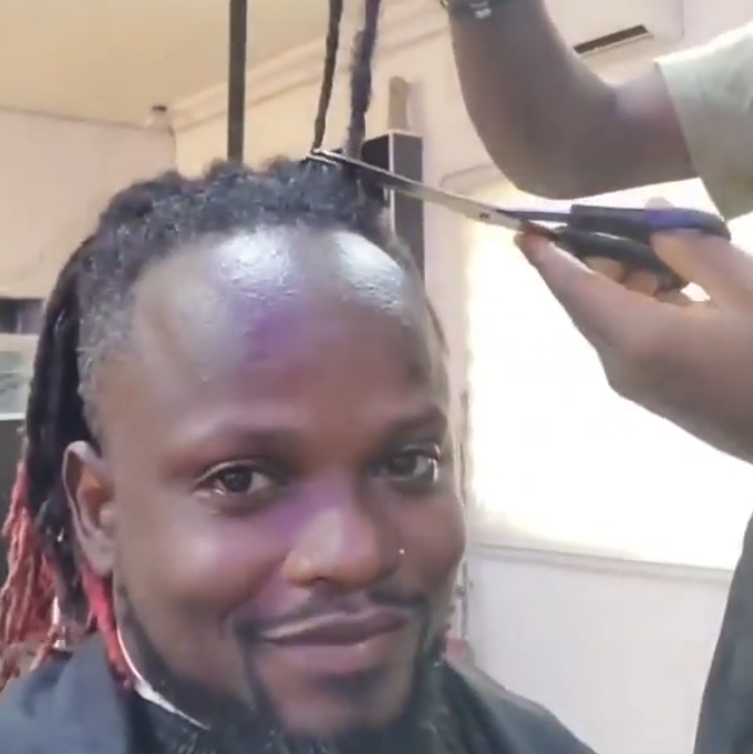 Big Laycon fan cuts off the dreadlocks he's had for 10 years to celebrate his victory at the recently concluded BBNaija lockdown show