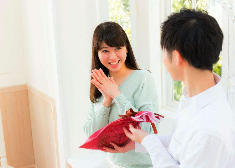 WHITE DAY!! A Day In Japan Where Men Give Triple Of The Value Of The Chocolates They Got On Valentines Day!