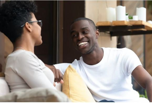8 telltale signs a guy is into you even if he try to hide it