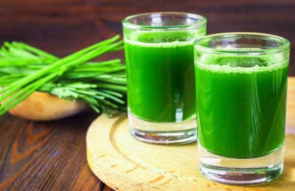 5 benefits of Wheatgrass juice for skin, hair and health