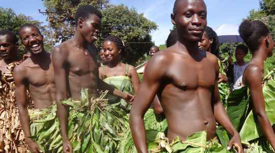 UNBELIEVABLE! In This Ugandan Tribe, Relatives Of The Deceased Have To Massage And Cleanse The Dead Body