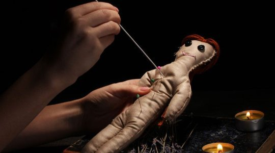 DARK ROMANCE! See The Ancient Practice Of Making Love Charms With Erotic Dolls To Control Ladies