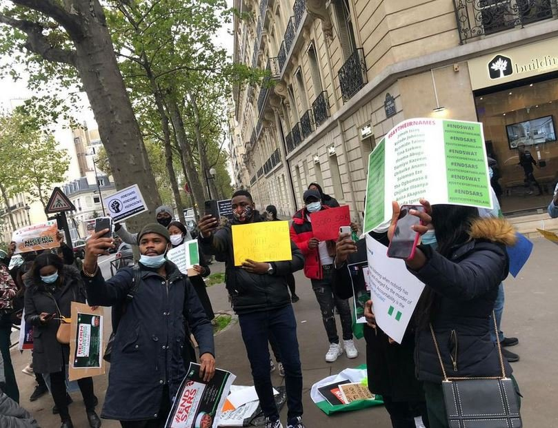 Nigerians In France Stage #EndSARS Protest (Photos)