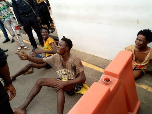 BREAKING: Just Like Abuja, Armed Thugs Disrupt #EndSARS Protest In Lagos