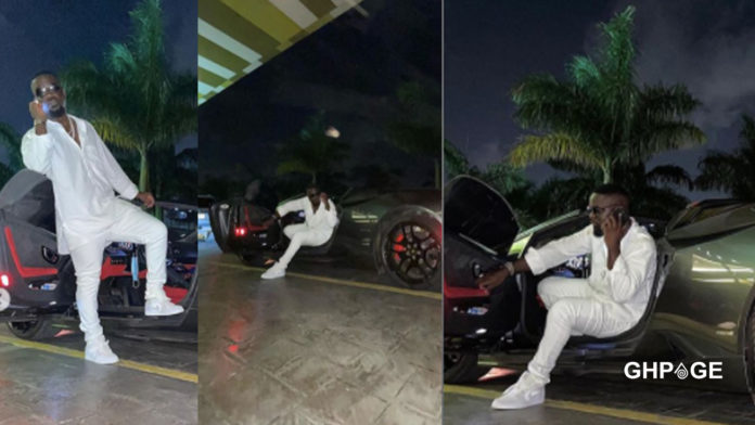 Sarkodie seen cruising in town with expensive sports car (Photos)