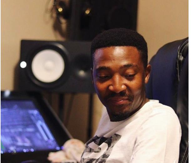 DOWNLOAD Vigro Deep – Ufunani (KingTouch's Afro Dub) Ft. Nokwazi MP3