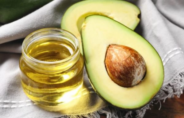 4 reasons why you need to apply avocado oil on your skin