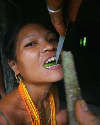 TOOTH SHARPENING | The Mentawai Women Of Indonesia Sharpen Their Tooth To Look More Beautiful
