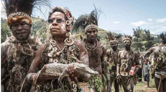 The Chambri Tribe Welcome Their Boys Into Adulthood By Scarring Their Body To Look Like Crocodiles