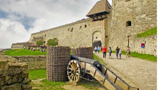 Everything You Need To Know About The Historical Eger Castle Attacked By The Turkish Army In 1552