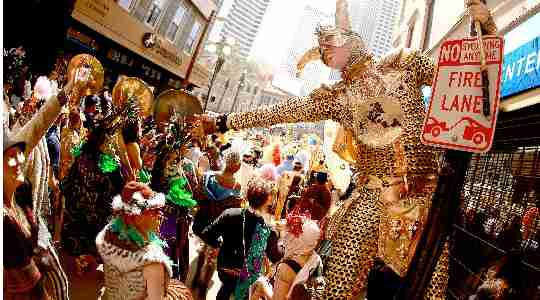 MARDI GRAS | Everything You Need To Know About One Of The Biggest Festivals In Louisiana