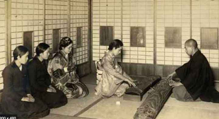 Why Do The Japanese Sit This Way? You Will Only Find Out If You Read This