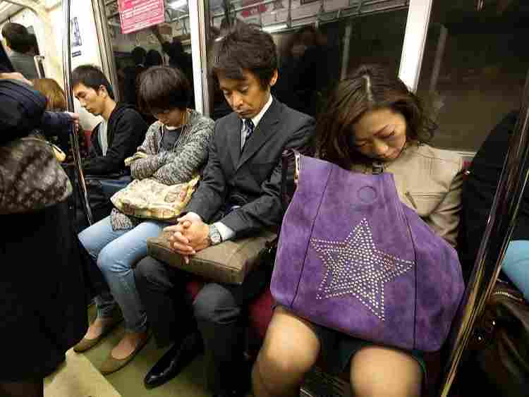 STRANGE SIESTA: See The Japanese Art Of Sleeping At Work Called Inemuri