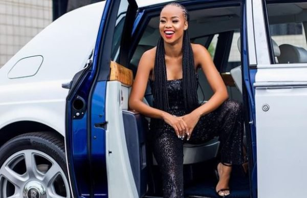 Ntando Duma recounts what a fan did to her at a Cafe