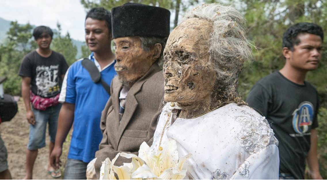 LIVING DEAD! See People Who Live With Their Dead Relatives