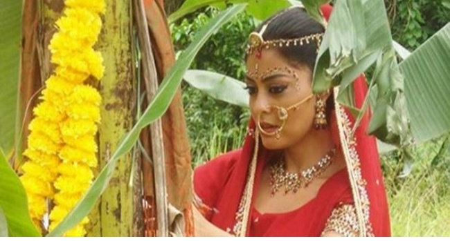 TREE MARRIAGE! Women In This Tribe MUST Marry A Tree Before Marrying Any Man [PHOTOS] 