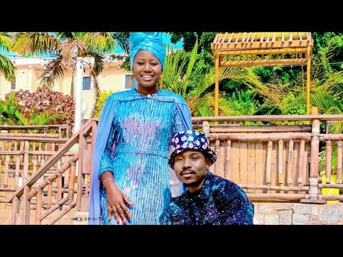 DOWNLOAD Umar M Shareef Ft. Momee Gombe – Cikin Mafarki MP3
