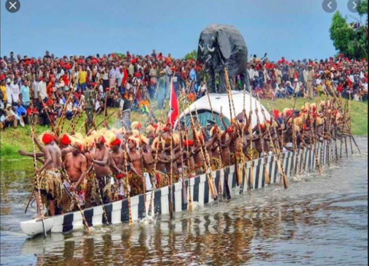 WONDERFUL! See The Biggest Festival In This Town Celebrated On Water With Their Idol – So Weird!