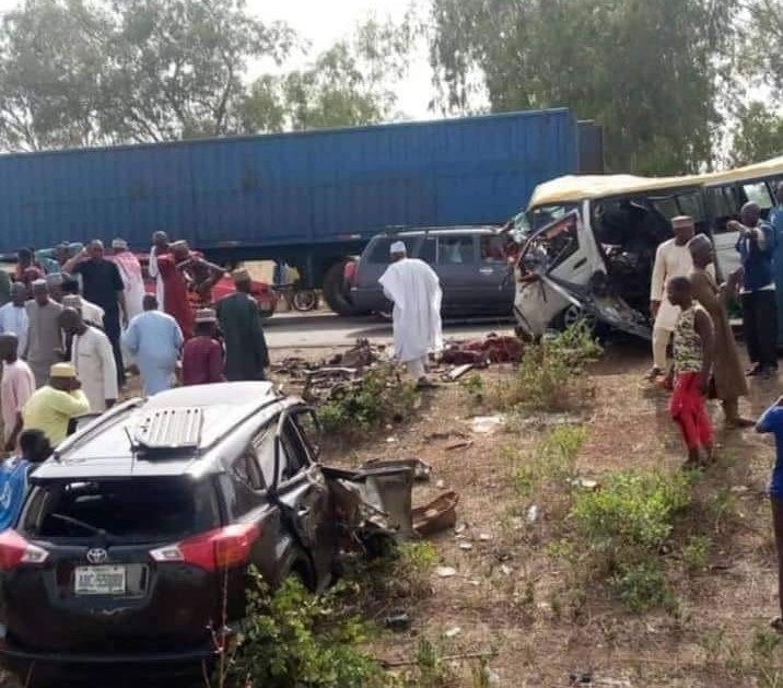 Tragedy as 17 young men returning from friend's wedding die in fatal accident (Photos)