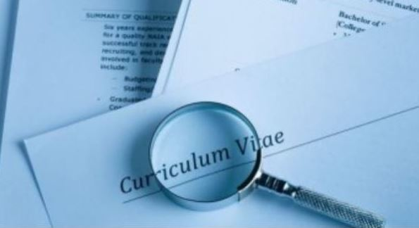 6 tips to write a professional CV